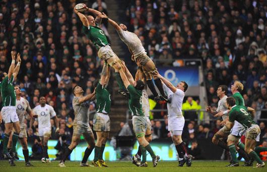 Fuente: http://scrum-half-rugby.webnode.es/el-juego/line-out/